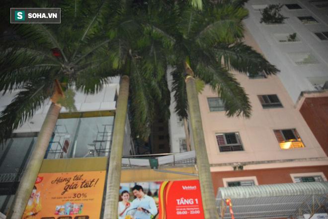 Hà Nội: Phát hiện bé gái nguy kịch tại mái tôn chung cư - Ảnh 2.