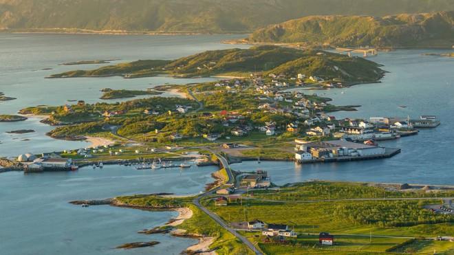 Đảo Na Uy muốn trở thành nơi đầu tiên trên thế giới không có thời gian - Ảnh 1.