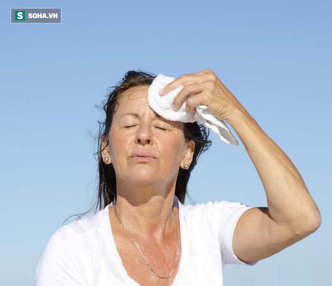 4 căn bệnh dễ bùng phát trong mùa hè: Ai cũng nên cảnh giác để tránh phải nhập viện - Ảnh 1.