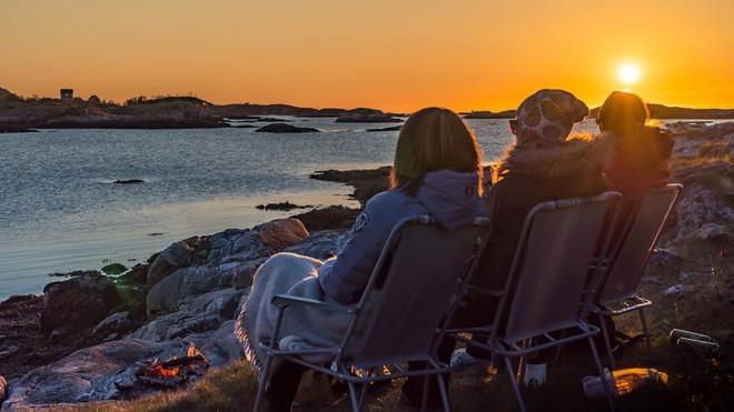Đảo Na Uy muốn trở thành nơi đầu tiên trên thế giới không có thời gian - Ảnh 4.