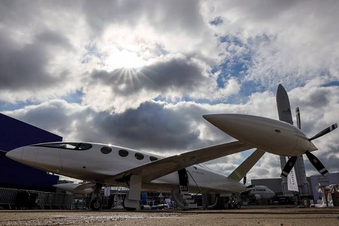 Hàng trăm máy bay hiện đại lộ diện tại Triển lãm hàng không Paris 2019 - Ảnh 10.