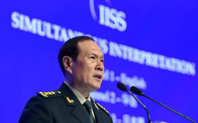 """Shangri La: Bộ trưởng TQ mạnh miệng """"đổi trắng thay đen"""" về Biển Đông, tuyên bố Mỹ """"đừng hòng bắt nạt TQ"""""""
