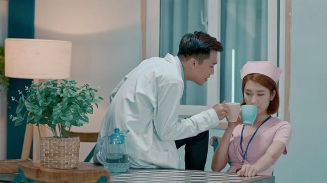 Xuân Nghị, Thúy Ngân diễn cảnh tình cảm trong phim mới - Ảnh 4.