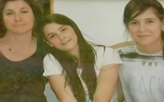 Bí ẩn cái chết của người phụ nữ cùng hai con gái bị bỏ đói trong căn hộ khóa trái cửa suốt 2 tháng