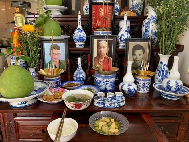 Chuyện kỳ lạ showbiz Việt: Lập bàn thờ bạn thân, gia đình ai cũng ủng hộ - Ảnh 3.