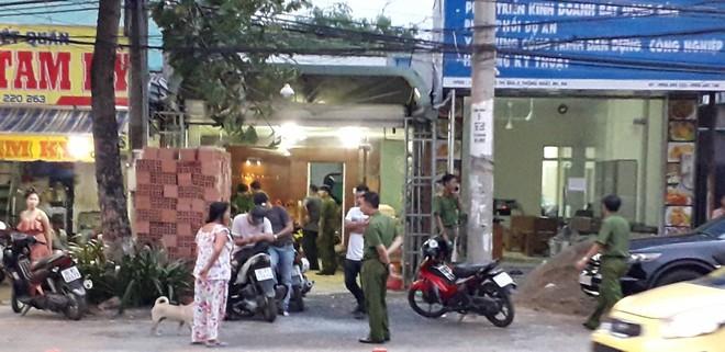 Khám nhà doanh nhân gọi giang hồ vây xe chở công an ở Đồng Nai - Ảnh 2.