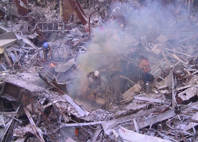 Tang thương ngày 11/9: Ảnh hiếm về sự kiện khủng bố Mỹ chưa từng công bố - Ảnh 4.