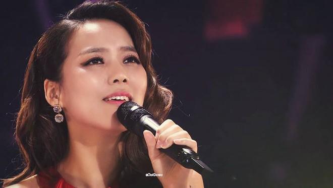 Ca sĩ Hàn vượt qua mọi ca sĩ châu Á, được Trấn Thành, Hari Won đích thân ra đón đẳng cấp cỡ nào? - Ảnh 4.