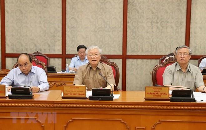 Hình ảnh Tổng Bí thư, Chủ tịch nước chủ trì họp Bộ Chính trị - Ảnh 4.