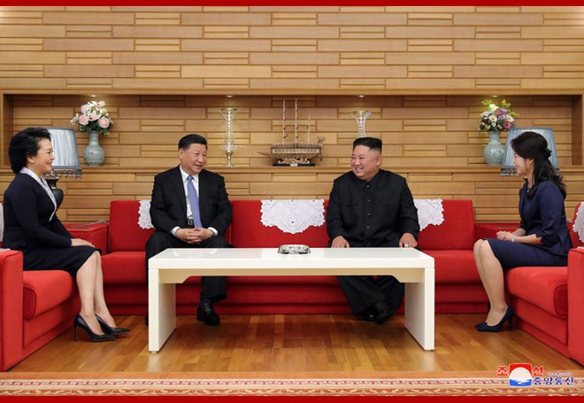 Hình ảnh ấn tượng trong chuyến công du Triều Tiên đầu tiên của ông Tập Cận Bình - Ảnh 12.