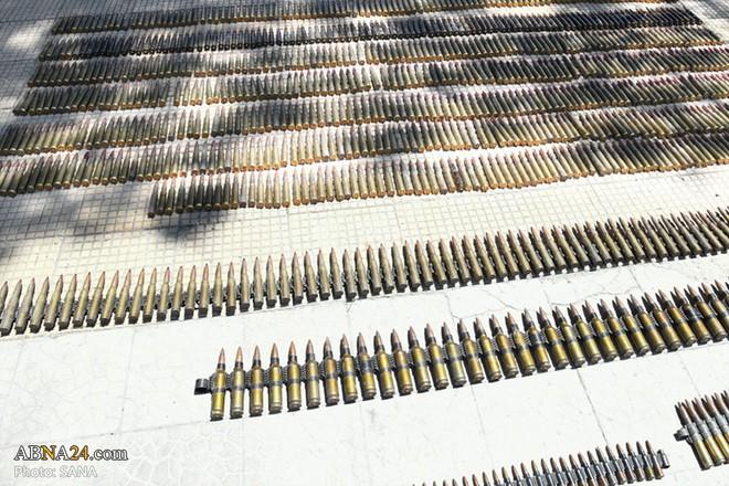 Syria: Điều bất ngờ trong kho vũ khí khổng lồ khủng bố giấu trong trang trại - Ảnh 5.