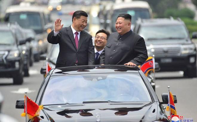 Hình ảnh ấn tượng trong chuyến công du Triều Tiên đầu tiên của ông Tập Cận Bình