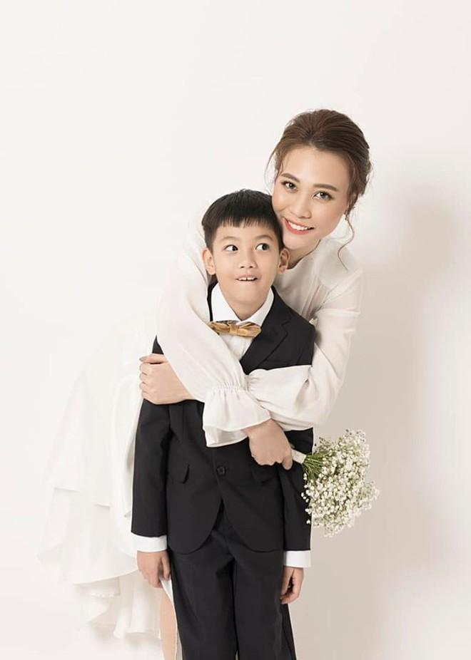 Hành động khó hiểu của Đàm Thu Trang sau khi đăng ảnh chúc mừng sinh nhật Subeo - Ảnh 1.