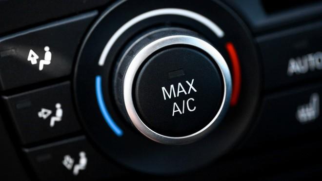 Những cách lái xe ô tô tiết kiệm nhiên liệu - Ảnh 1.