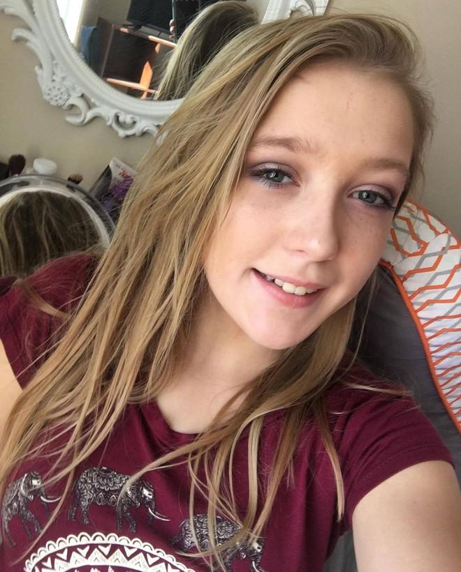 Thi thể thiếu nữ 15 tuổi bên bờ kè và dòng tin nhắn ám ảnh cầu cứu bạn trai vạch trần tội ác gã nhân tình của mẹ - Ảnh 1.