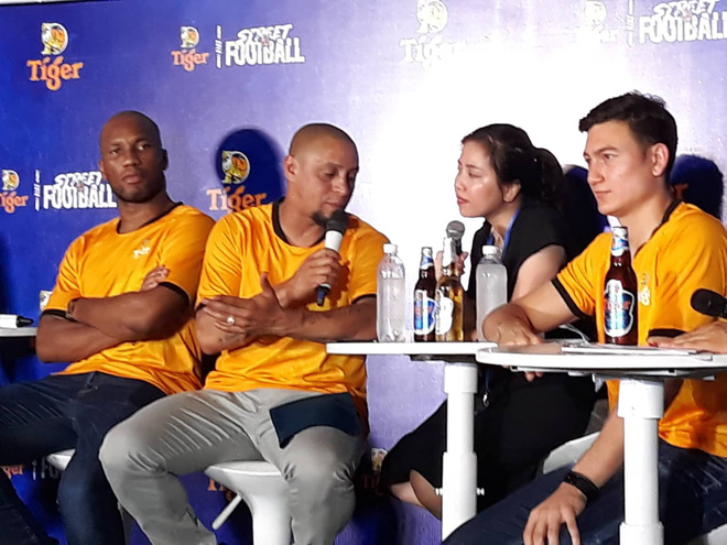 Cập nhật: Đặng Văn Lâm: Nếu được lựa chọn, tôi muốn chơi bên cạnh Rio Ferdinand - Ảnh 1.