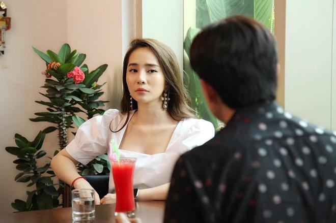 Tình địch của Bảo Thanh phim Về nhà đi con: Hậu ly hôn ngày càng xinh đẹp, nóng bỏng - Ảnh 1.