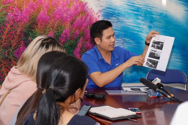 Chủ tịch Asanzo Phạm Văn Tam tự tay lắp tivi trong tâm bão nhập nhèm xuất xứ sản phẩm - Ảnh 1.