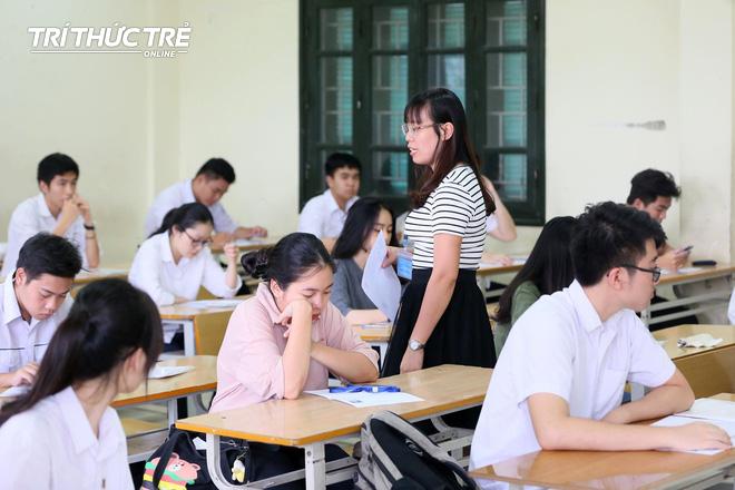 Gần 2.000 điểm thi làm thủ tục dự thi THPT QG 2019 cho gần 900.000 thí sinh trên cả nước - Ảnh 10.