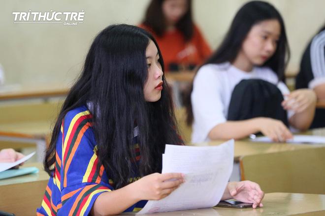 Gần 2.000 điểm thi làm thủ tục dự thi THPT QG 2019 cho gần 900.000 thí sinh trên cả nước - Ảnh 11.
