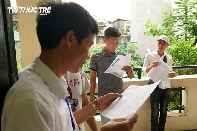 Gần 2.000 điểm thi làm thủ tục dự thi THPT QG 2019 cho gần 900.000 thí sinh trên cả nước - Ảnh 4.
