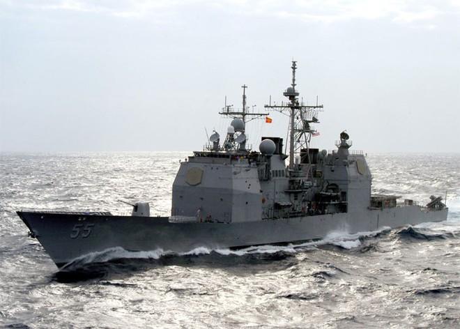 Tàu đổ bộ tấn công, 2 tàu tuần dương, khu trục cùng tàu sân bay USS Abraham Lincoln áp sát Iran - Anh sẵn sàng tham chiến - Ảnh 5.