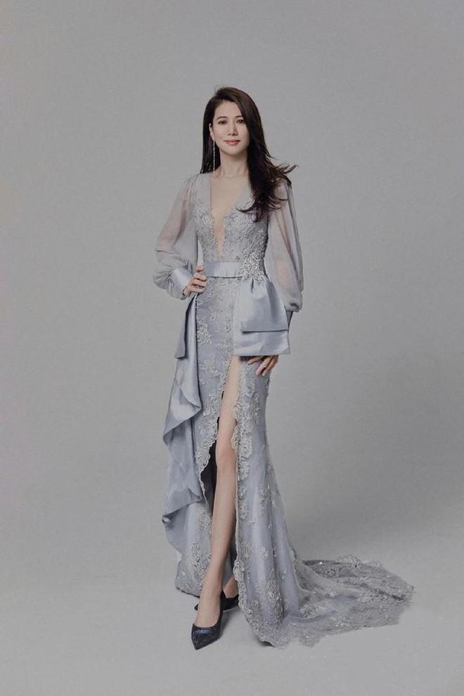 Hoa hậu Hồng Kông Viên Vịnh Nghi U50 sắc vóc siêu quyến rũ - Ảnh 2.