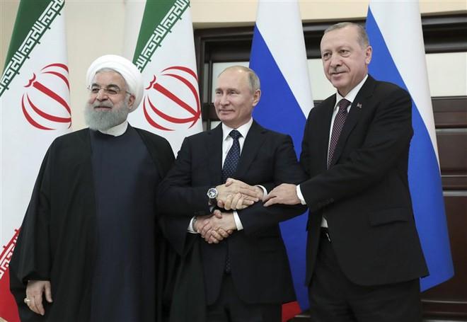 Đau đầu vì ứng phó với Iran, Mỹ phó mặc chảo lửa Idlib ở Syria cho ông Putin tự giải quyết? - Ảnh 2.