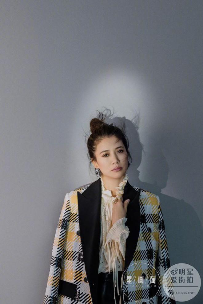 Hoa hậu Hồng Kông Viên Vịnh Nghi U50 sắc vóc siêu quyến rũ - Ảnh 6.