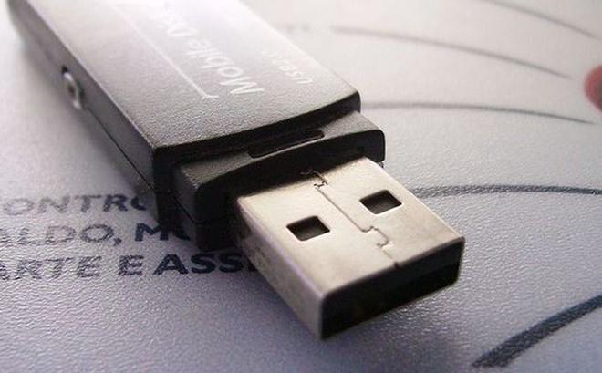 Cha đẻ USB hối hận về phát minh của mình với lý do bất ngờ