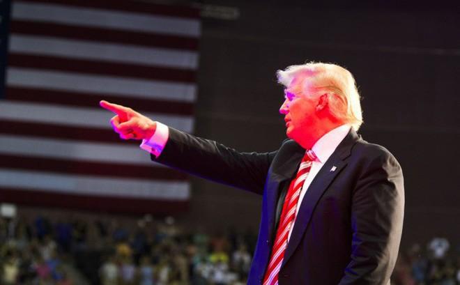 """TT Trump bất ngờ tuyên bố có thể """"vượt mặt"""" Quốc hội Mỹ, tự quyết chuyện tấn công Iran: Nội bộ náo loạn"""