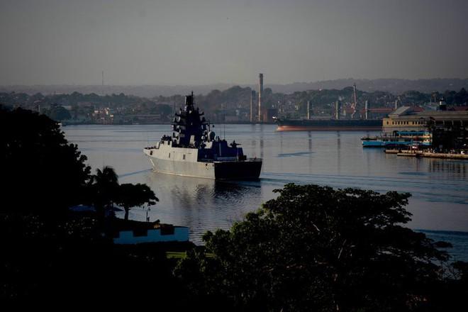 Đòn hiểm của TT Putin: Điều tàu chiến chất đầy tên lửa cập cảng Cuba dằn mặt Mỹ - Ảnh 2.