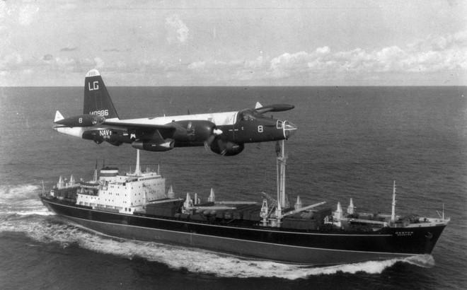 """Mỹ lấn lướt, Nga phản đòn: """"Bóng ma"""" khủng hoảng tên lửa Cuba năm 1962 đang quay trở lại?"""