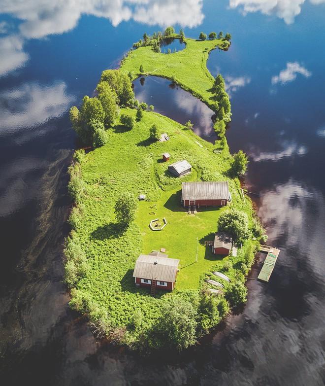 Đảo tí hon Kotisaari bốn mùa thay lá đẹp như trong cổ tích, ai nhìn cũng ao ước được đặt chân đến một lần trong đời - Ảnh 3.