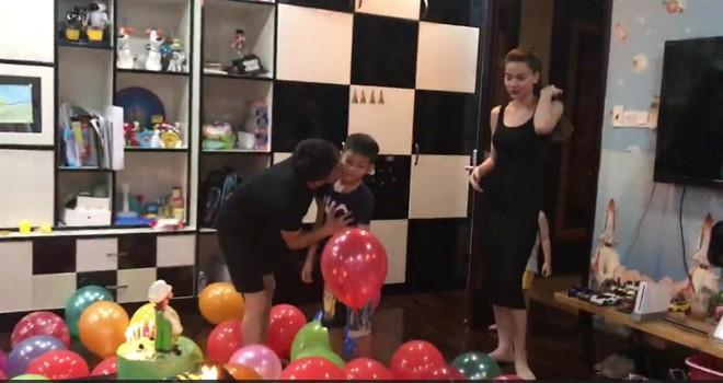 Dù gia đình ly tán, Subeo vẫn được tận hưởng 5 sinh nhật trọn vẹn với sự hiện diện của cả bố lẫn mẹ - Ảnh 8.