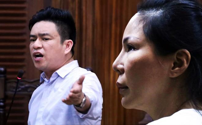 Vợ cũ mỉm cười lãnh 18 tháng tù, bác sĩ Chiêm Quốc Thái nói sẽ kháng cáo