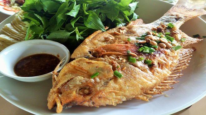 Người bị gout, axit uric cao có thể ăn cá không? Những thực phẩm tốt nhất để giảm bệnh - Ảnh 3.