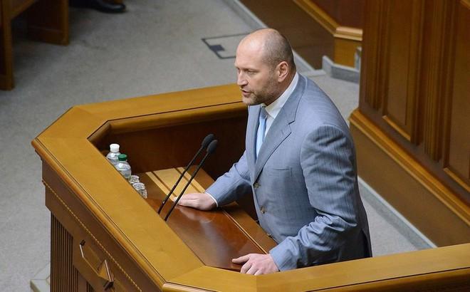 """Châu Âu chìa tay đón """"Gấu Nga"""" trở lại, nghị sĩ Ukraine bức xúc """"văng bậy"""": Tất cả người Nga đều khốn nạn!"""