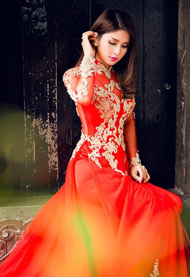 Việt Nam phong tục: Cô dâu đi đường phải cài cây kim vào áo, tại sao lại vậy? - Ảnh 7.