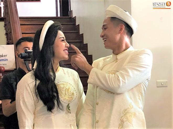 Ăn hỏi hoành tráng, nhưng Bùi Tiến Dũng chưa thể tổ chức đám cưới trong năm 2019 vì lý do này - Ảnh 1.