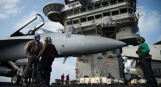 CẬP NHẬT: TT Trump nếu tấn công sẽ chớp nhoáng - Tiêm kích tàng hình F-35 KQ Anh tới sát Iran - Nga động binh - Ảnh 1.