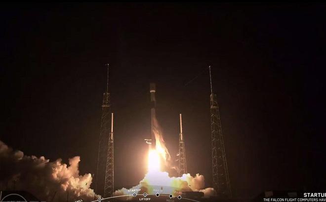 SpaceX thực hiện nhiệm vụ phóng tên lửa khó khăn nhất lịch sử