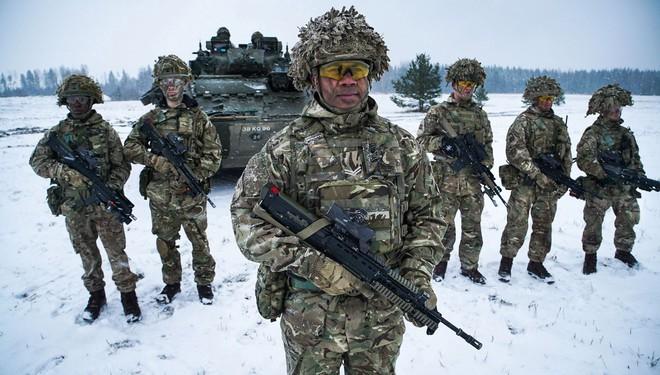 NATO hàm ý tung đòn độc kìm hãm Nga, Moskva lên án mưu đồ kiểm soát thế giới - Ảnh 1.
