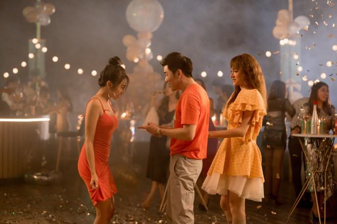 MV Hương Giang nổi điên với bạn thân người yêu thu hút triệu người xem - Ảnh 2.
