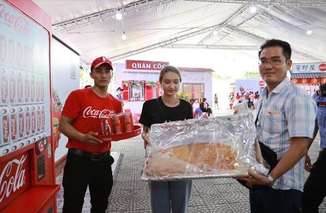 """Coca-Cola và những cú """"bắt trend thần sầu"""" vì quá hiểu nhu cầu đi đâu, ăn gì của giới trẻ Việt - Ảnh 9."""
