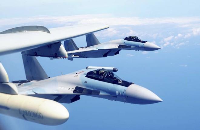 Nga mong Trung Quốc mua thêm Su-35S: Viễn cảnh đáng sợ - Chỉ mua để mổ xẻ - Ảnh 1.