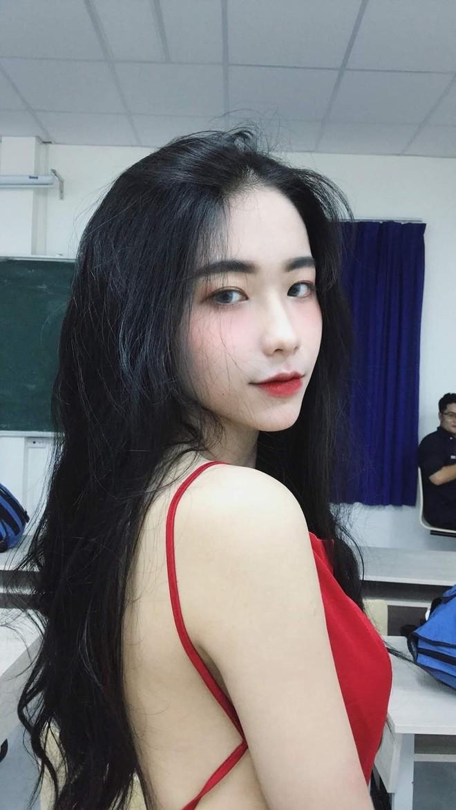Vì câu nói của bạn thân giữa đám đông, nữ sinh Long An quyết lột xác, gây chú ý với ngoại hình giống Hoà Minzy - Ảnh 5.