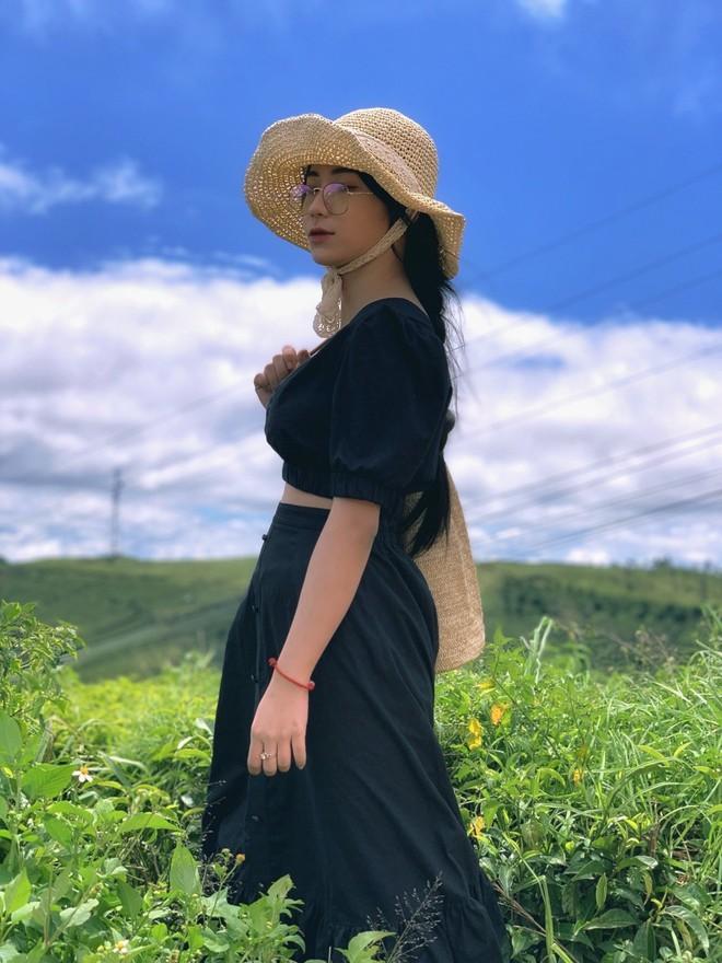Vì câu nói của bạn thân giữa đám đông, nữ sinh Long An quyết lột xác, gây chú ý với ngoại hình giống Hoà Minzy - Ảnh 9.