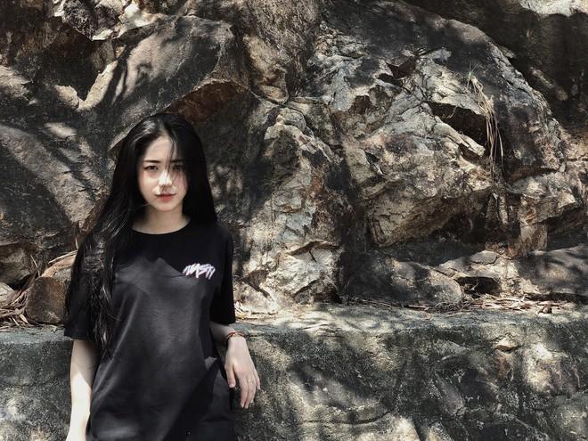 Vì câu nói của bạn thân giữa đám đông, nữ sinh Long An quyết lột xác, gây chú ý với ngoại hình giống Hoà Minzy - Ảnh 11.