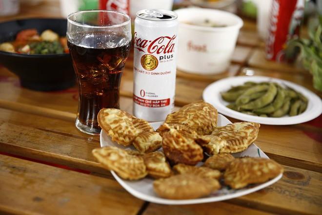 """Coca-Cola và những cú """"bắt trend thần sầu"""" vì quá hiểu nhu cầu đi đâu, ăn gì của giới trẻ Việt - Ảnh 1."""